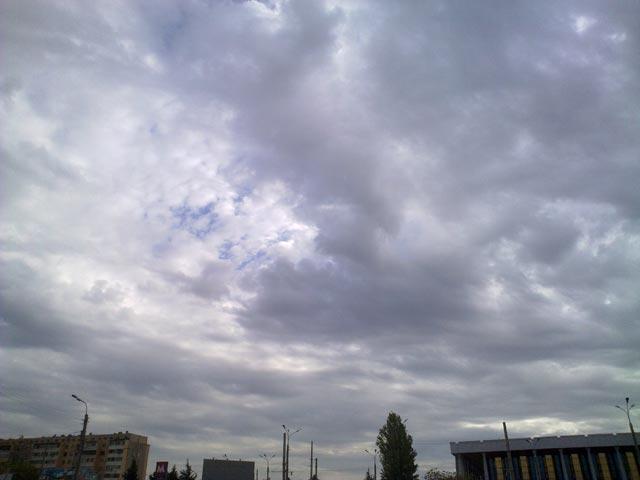 Темные большие облака