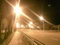 Пустынная дорога, окраина города
