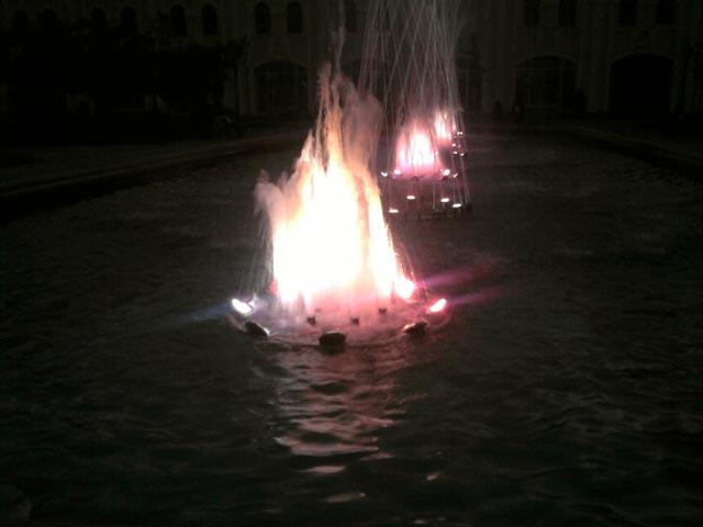 фонтан с подсветкой