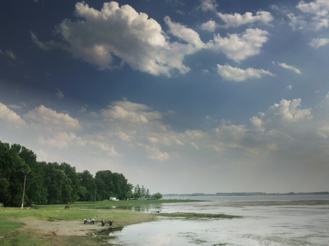 Небо и берег