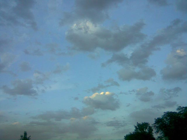 Зеленоватое небо