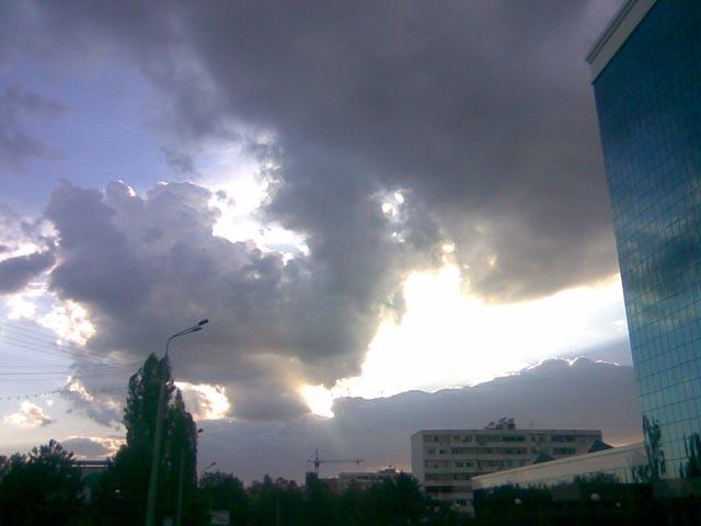 Вспышка в небе